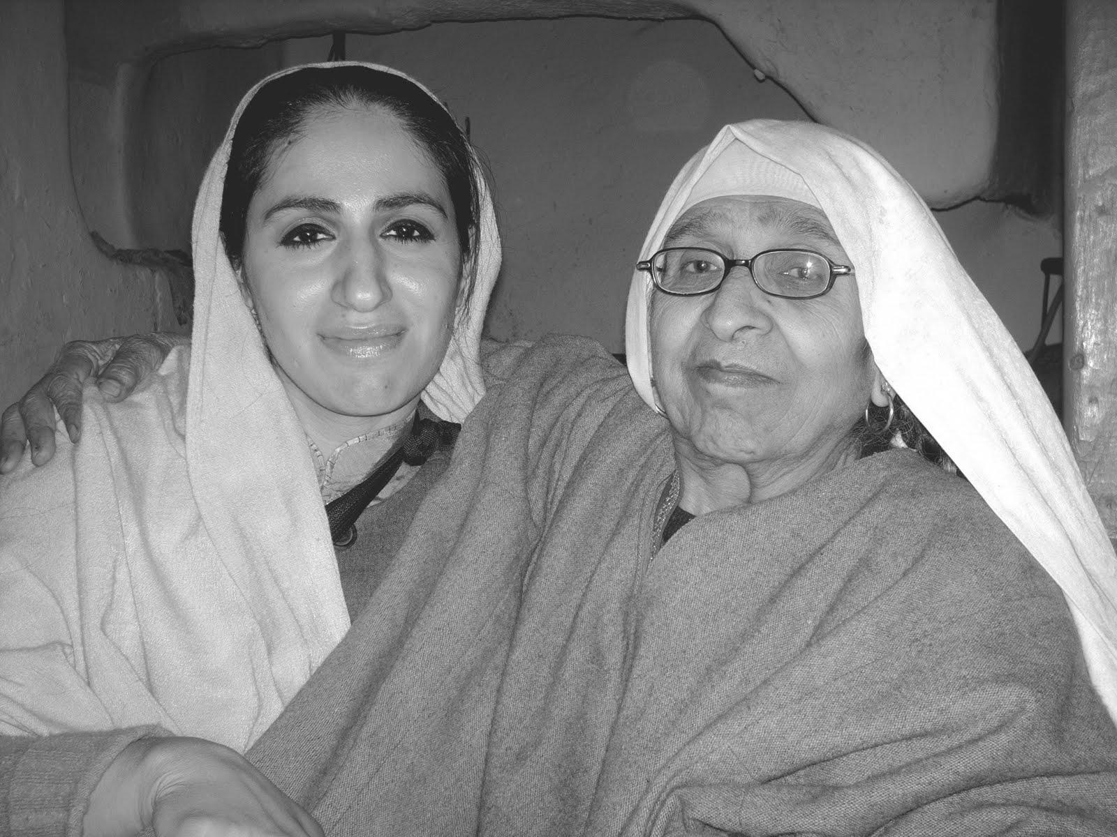 Kashmir_women1